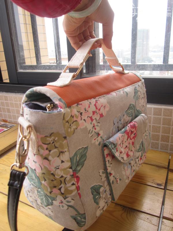 第4课:复古标签红多用通勤包